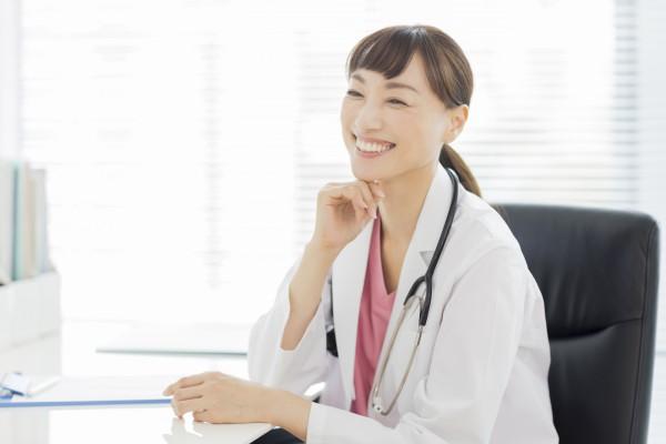 メディカルフィットネスナビ|医療法42条施設とは?医療法人だからこそできるメディカルフィットネスの形|メディカルフィットネス施設で働く医療従事者のイメージ
